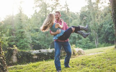 Engagement Photos from Historic Shady Lane | Erin and Jonathan